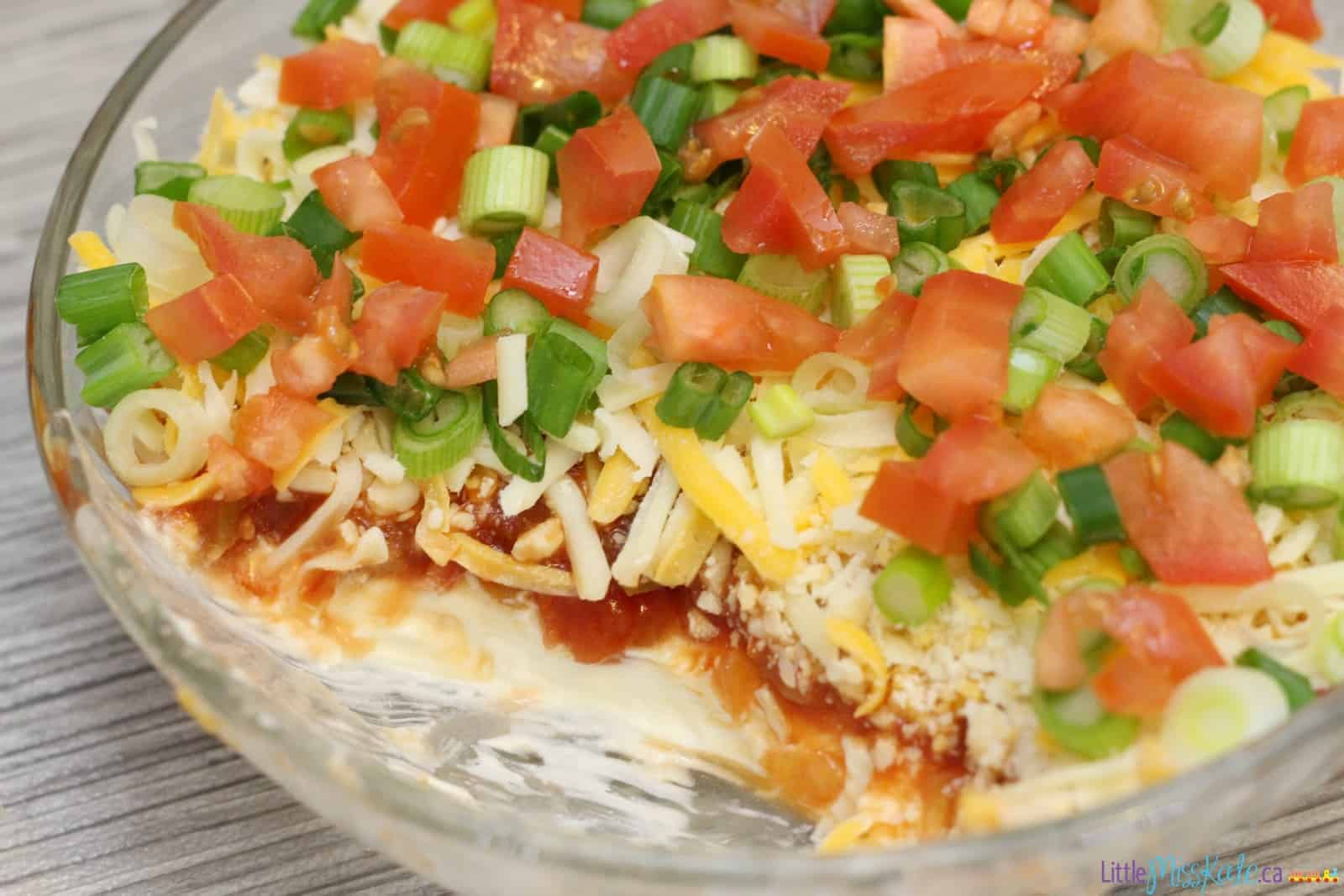 Easy Layered Nacho Dip Recipe – Super Bowl Food Ideas