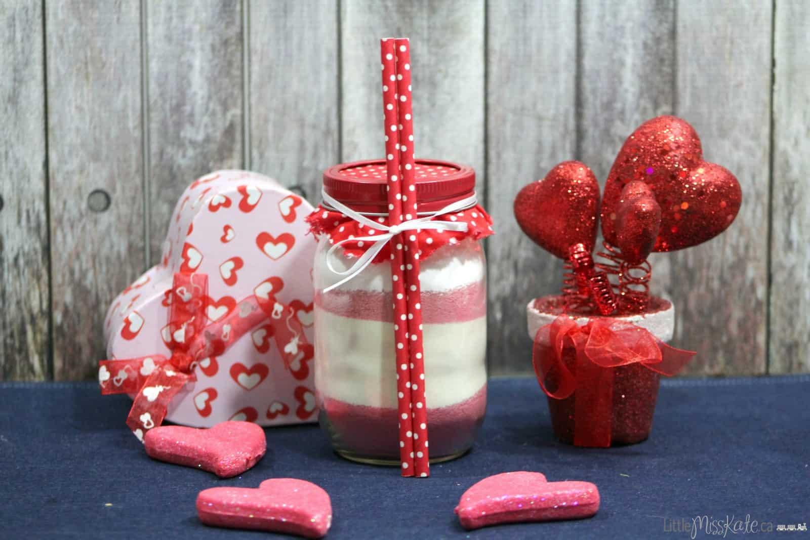 DIY Mason Jar Gift Idea – Hot Strawberry Drink Mix