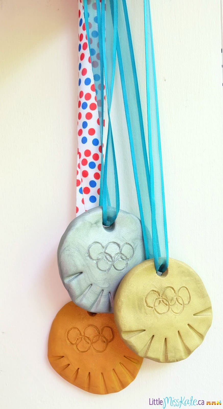 Olympic crafts for kids DIY olympic medals