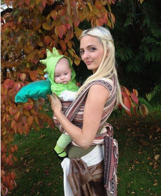 Game of thrones mother of dragons babywearing costume ideas via littlemisskate.ca
