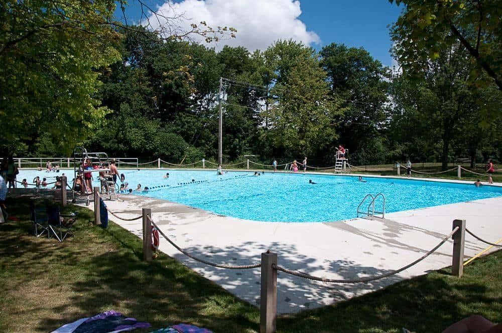 Outdoor Pools in Brampton